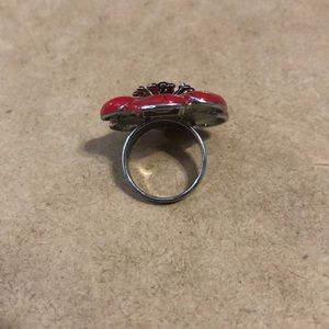 Jewelry - size 8 flower ring